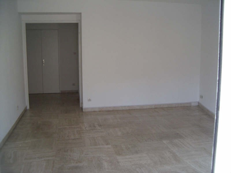 Location appartement Toulon 810€ CC - Photo 3
