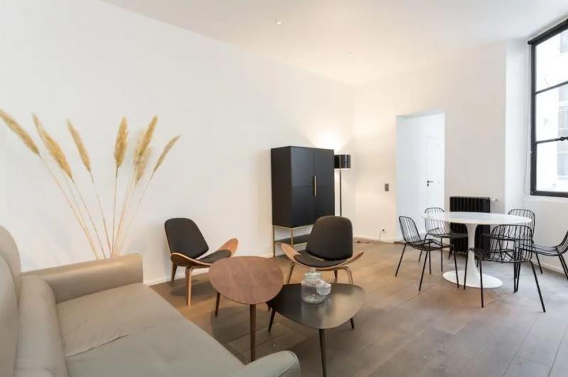 Deluxe sale apartment Paris 3ème 1360000€ - Picture 2