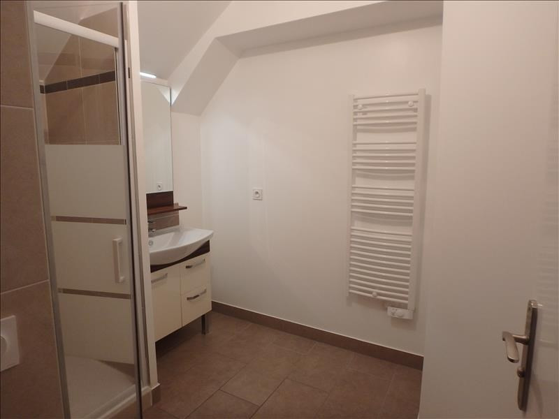 Location appartement Buc 1 020€ CC - Photo 4