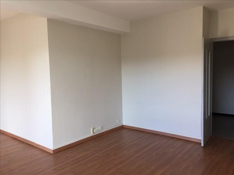 Location appartement La roche-sur-foron 690€ CC - Photo 2