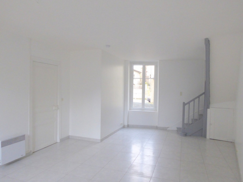 Sale house / villa Burie 112140€ - Picture 4