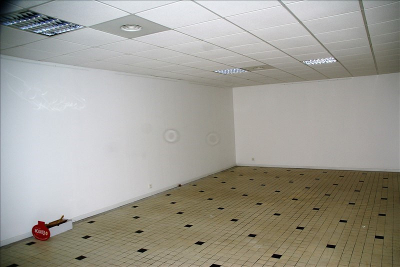 Location local commercial Quimperle 1 750€ HC - Photo 2