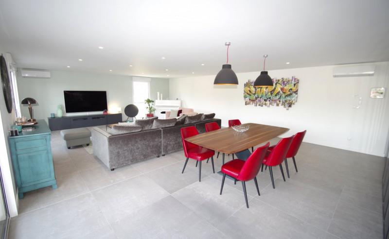Deluxe sale apartment Brindas 565000€ - Picture 1