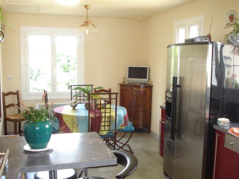 Sale house / villa Lussant 274300€ - Picture 7