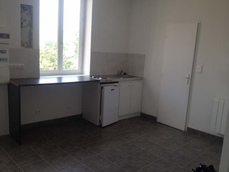 Verhuren  appartement Oullins 425€ CC - Foto 1