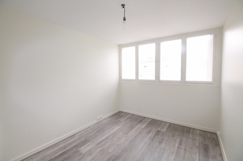 Location appartement Fontaine 660€ CC - Photo 9