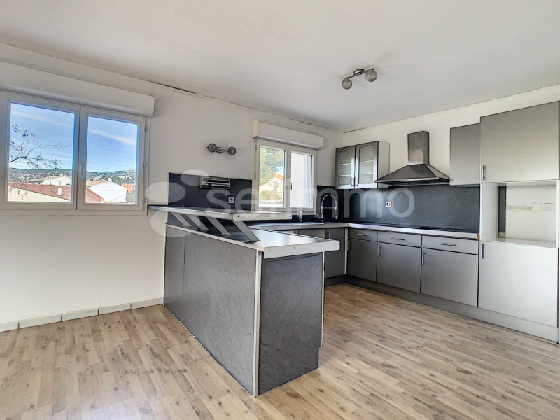 Location appartement Marseille 16ème 950€ CC - Photo 1