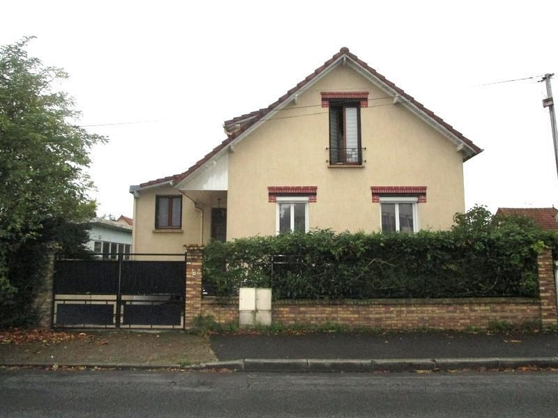 Sale house / villa Beauchamp 399 000€ - Picture 1