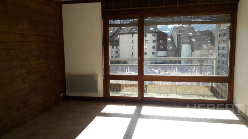 Rental apartment Sallanches 560€ CC - Picture 2