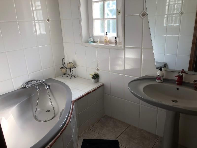 Deluxe sale house / villa Les issambres 890000€ - Picture 11
