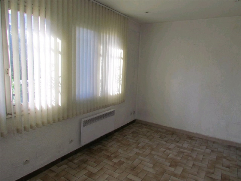 Location local commercial Champigny sur marne 700€ CC - Photo 5