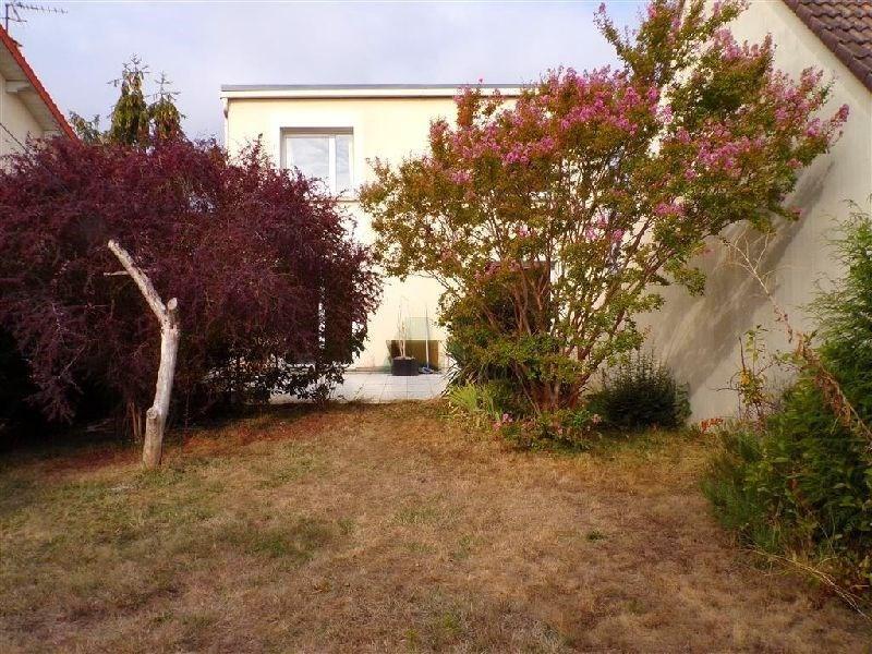 Revenda casa Ste genevieve des bois 349000€ - Fotografia 1