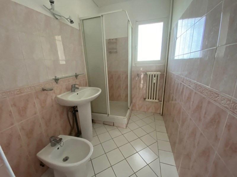 Rental apartment Six-fours-les-plages 850€ CC - Picture 4