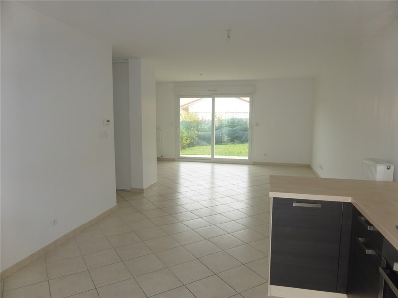 Rental house / villa Prevessin-moens 2 028€ CC - Picture 3