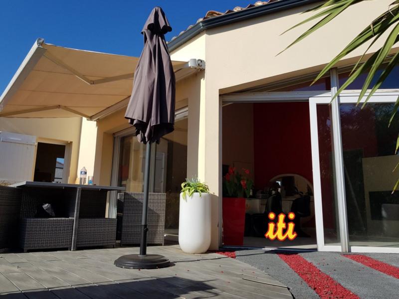 Deluxe sale house / villa Chateau d olonne 707000€ - Picture 1