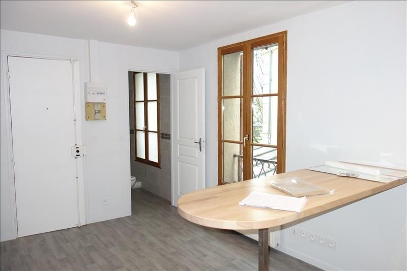 Rental apartment Versailles 750€ CC - Picture 2