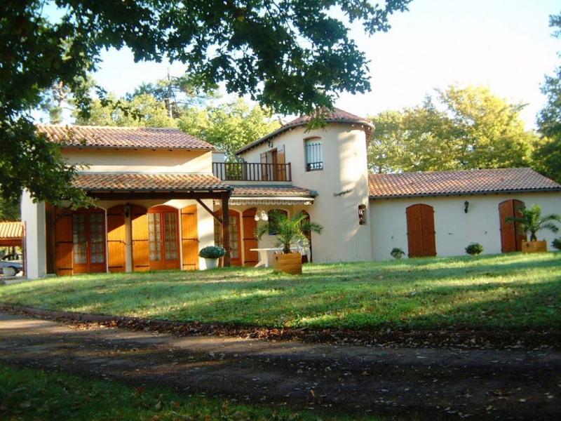 Sale house / villa Etaules 399000€ - Picture 1