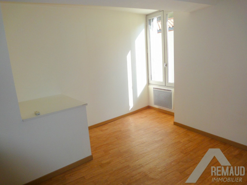 Investment property building Aizenay 226340€ - Picture 3