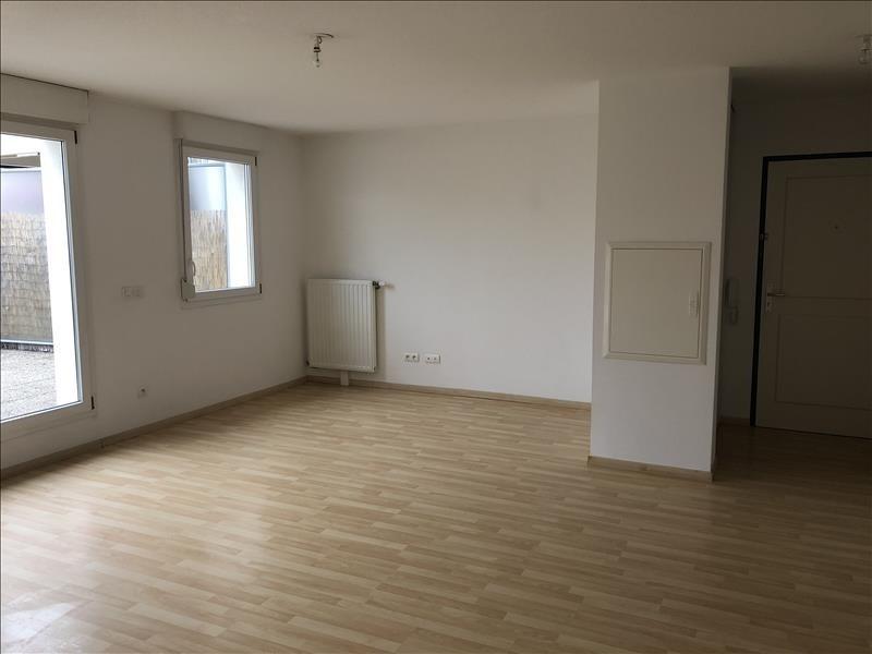 Rental apartment Rhinau 760€ CC - Picture 3