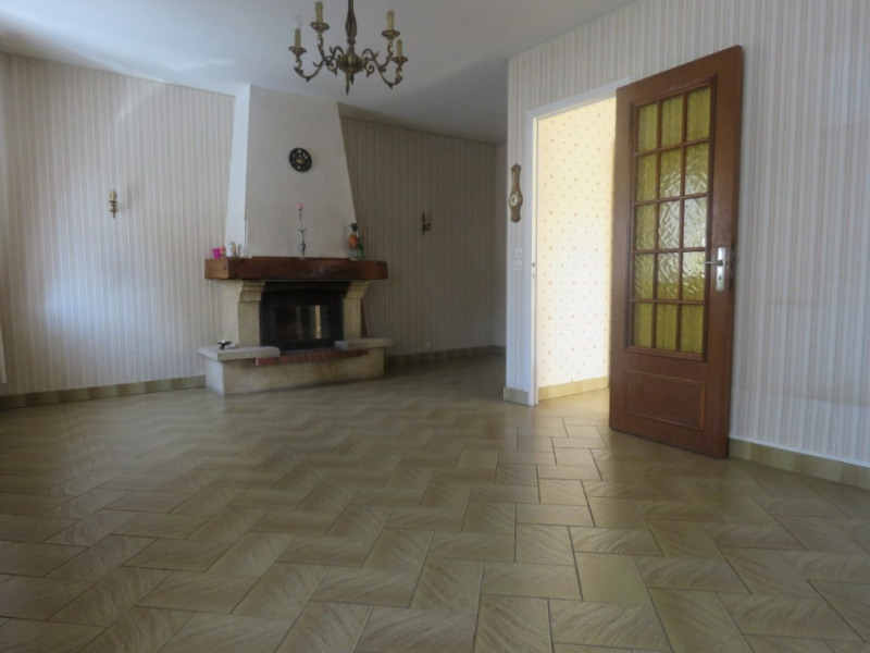 Sale house / villa Montoire sur le loir 99900€ - Picture 2