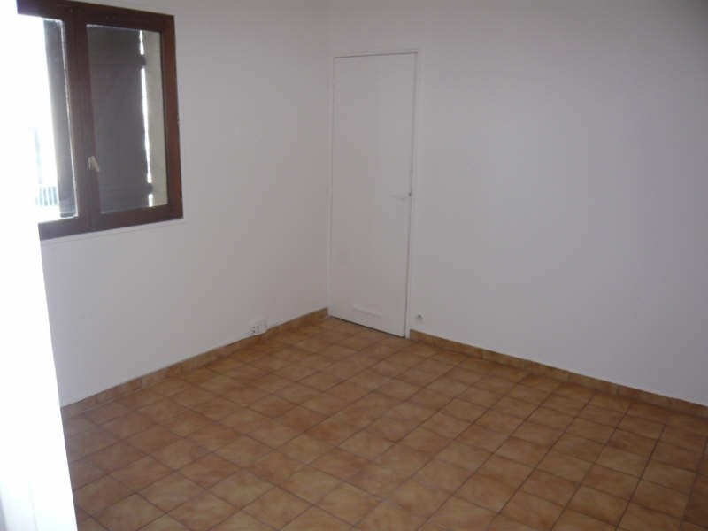 Rental apartment Montfermeil 620€ CC - Picture 2