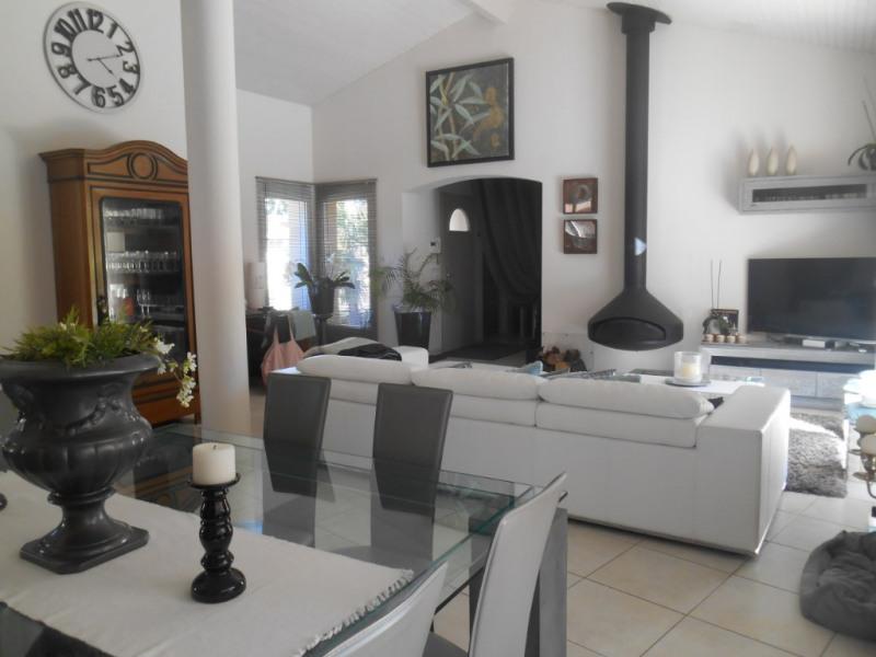 Deluxe sale house / villa La brede 644000€ - Picture 2