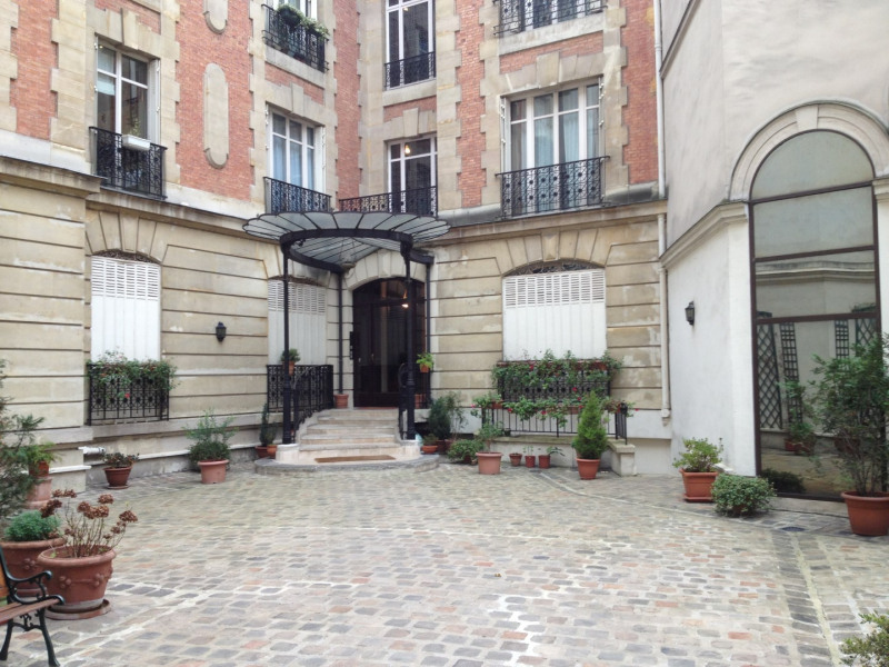 Rental apartment Paris 8ème 1270€ CC - Picture 8