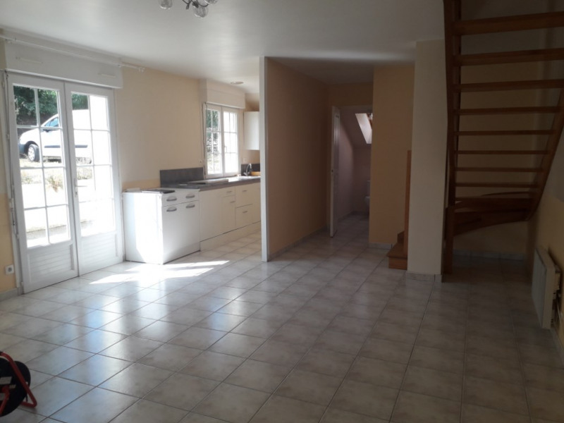 Rental house / villa Saint thurien 460€ CC - Picture 2