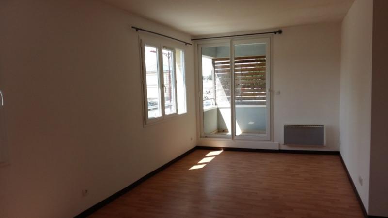Location appartement Montreuil sur ille 450€ CC - Photo 1