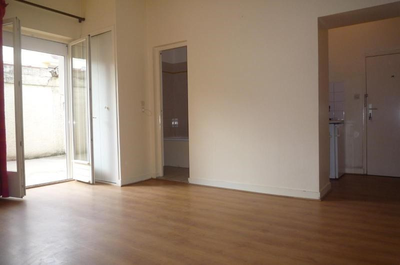Location appartement Dijon 405€ CC - Photo 1
