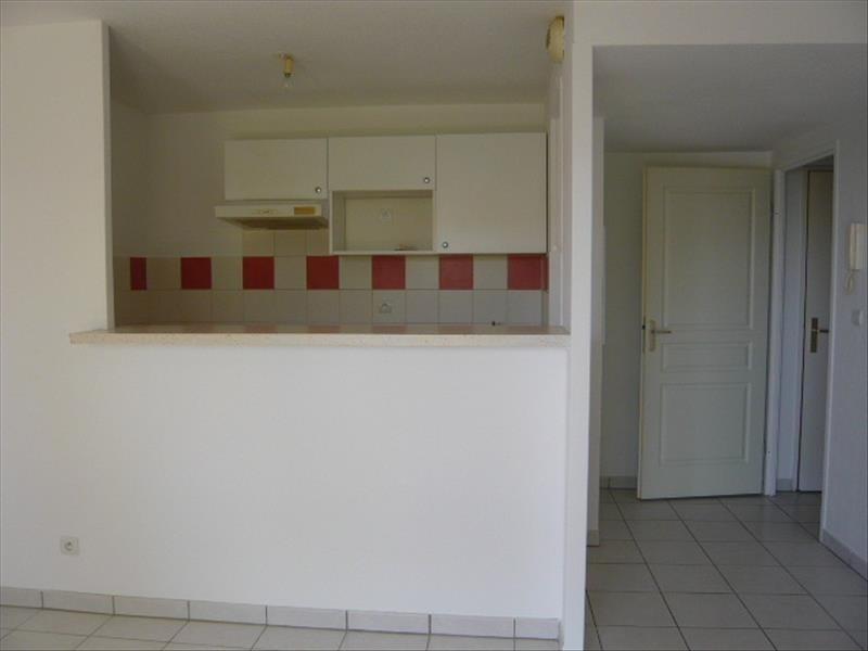 Rental apartment Ste foy de peyrolieres 415€ CC - Picture 2