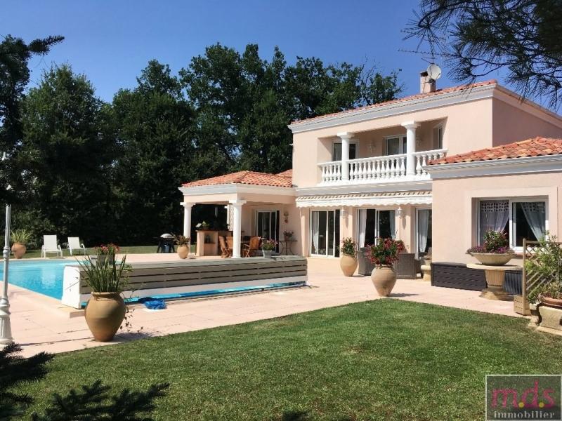 Montastruc - maison cossue - piscine