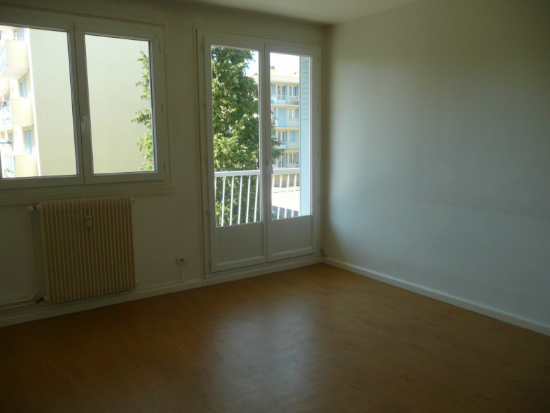 Investment property apartment Saint-genis-laval 147 000€ - Picture 3
