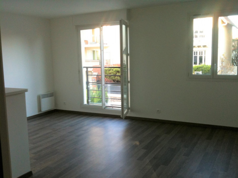 Location appartement Villiers-sur-marne 1 050€ CC - Photo 2