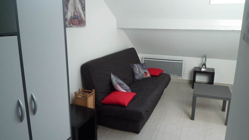 Rental apartment Annecy 422€ CC - Picture 2