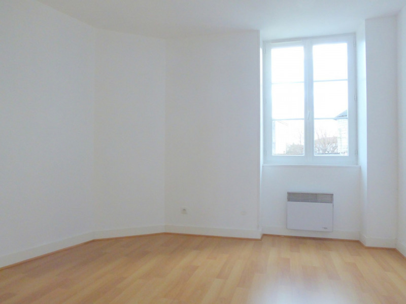 Sale house / villa Burie 112140€ - Picture 8