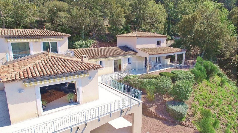 LES ADRETS-DE-L'ESTEREL - MAGNIFICENT RECENT VILLA 5 BEDROOMS - CONTEMPORARY FITTINGS. Class Energy : C.