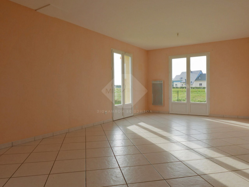 Location maison / villa Menneval 770€ CC - Photo 5