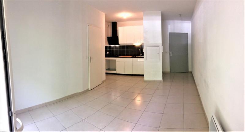 Location appartement La teste de buch 578€ CC - Photo 2