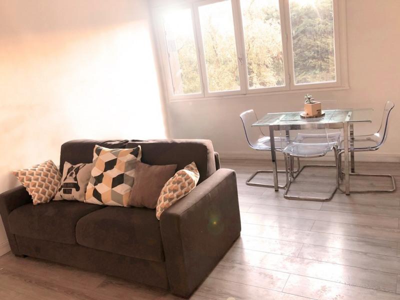 Alquiler  apartamento Colombes 850€ CC - Fotografía 3