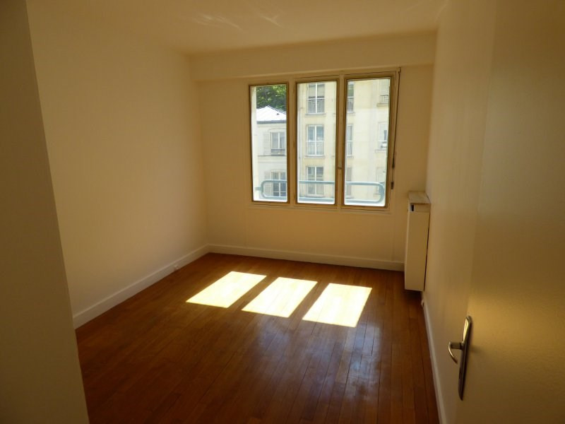 Location appartement Paris 16ème 2 300€ CC - Photo 11