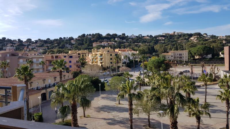Rental apartment Cavalaire 1200€ CC - Picture 2