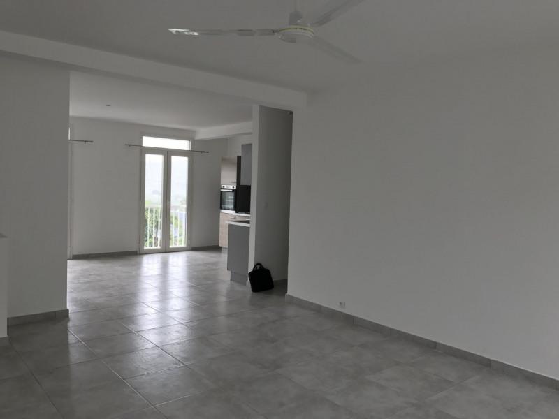 Location appartement Petite ile 720€ +CH - Photo 2