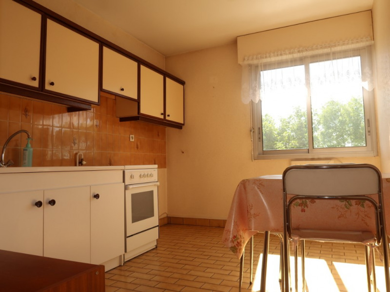 Sale apartment Talant 115000€ - Picture 3
