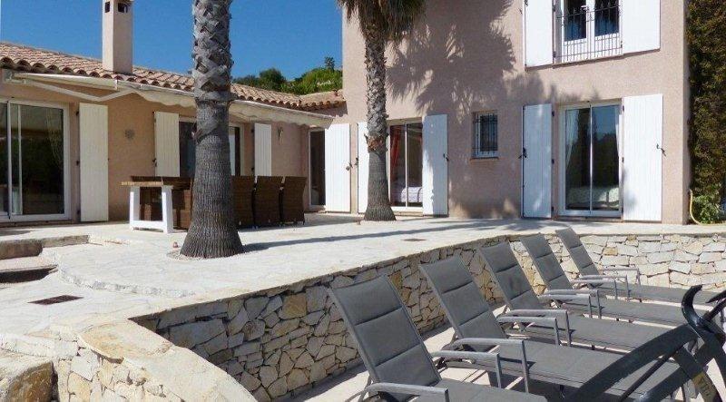 Deluxe sale house / villa Les issambres 1075000€ - Picture 4