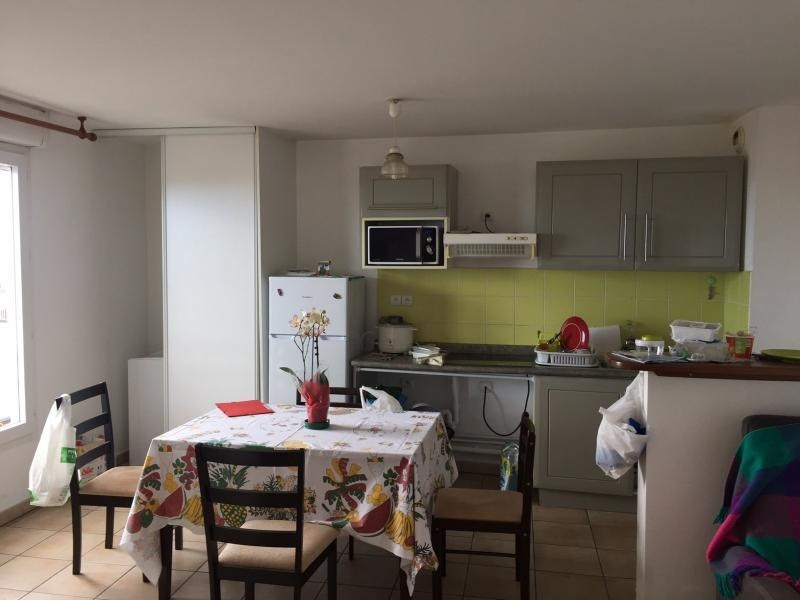Investment property apartment Le tampon 85 000€ - Picture 2