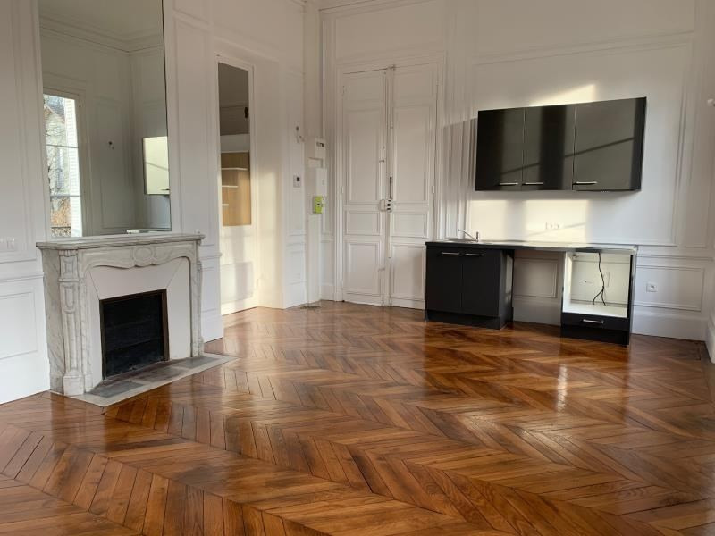 Rental apartment Chantilly 1190€ CC - Picture 2