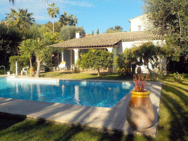 Deluxe sale house / villa Antibes 970 000€ - Picture 3