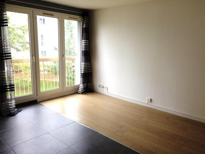 Rental apartment Maurepas 608€ CC - Picture 1