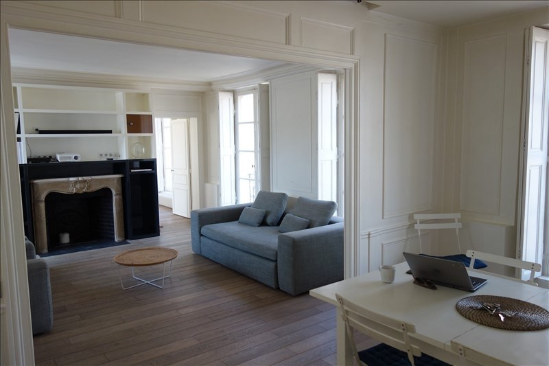 Rental apartment Versailles 2 600€ CC - Picture 1